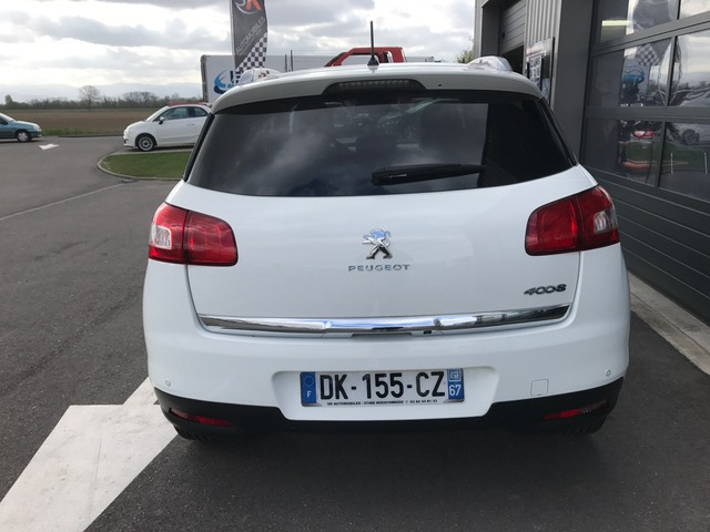 Peugeot 4008 STYLE 1.6 EHDI 115CH 4X4