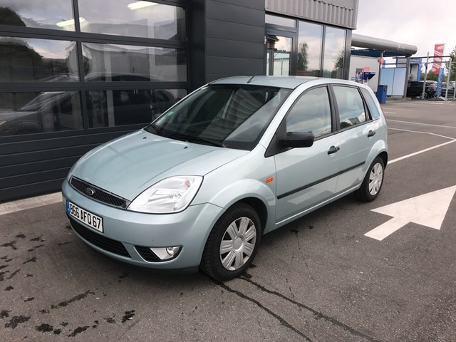 Ford fiesta ghia 1 4 tdci 70ch garage schneider roeschwoog for Garage ford fiesta occasion
