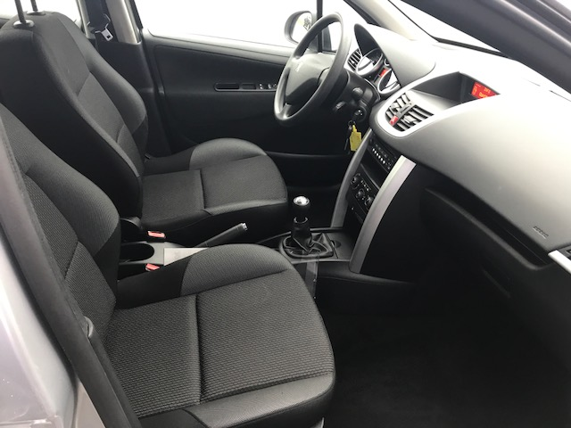 Peugeot 207 + ACTIVE 1.4 HDI 70CH